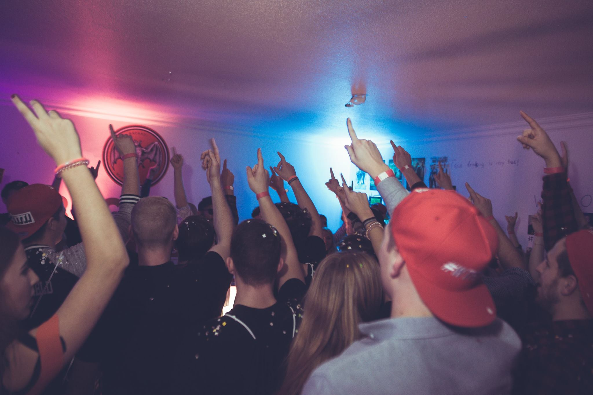 Wg Party Mit Mc Fitti Kundenbinder Image